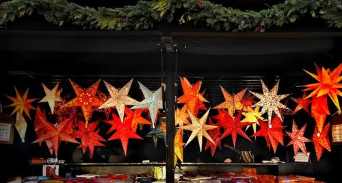 ChristmasStars_EN-US232637434
